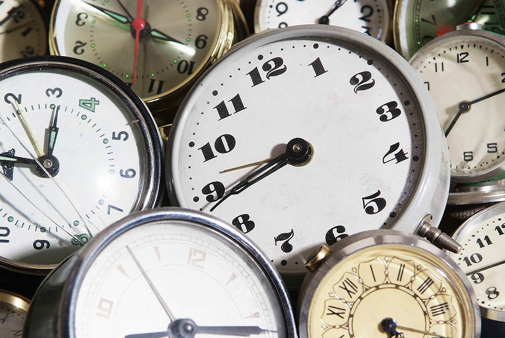 http://iimagelibrary1.advisorproducts.com/images/igallery/original/1801-1900/calendars_clocks__1070_-1842.jpg