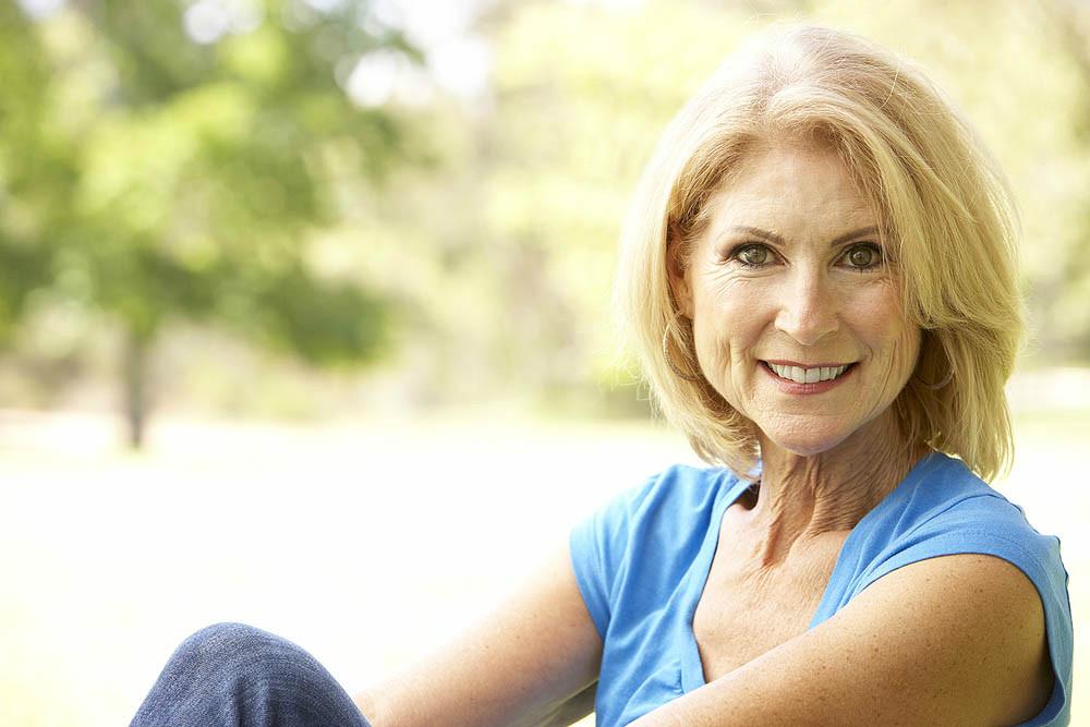 http://iimagelibrary1.advisorproducts.com/images/igallery/original/5201-5300/people_women_seniors__1015_-5201.jpg